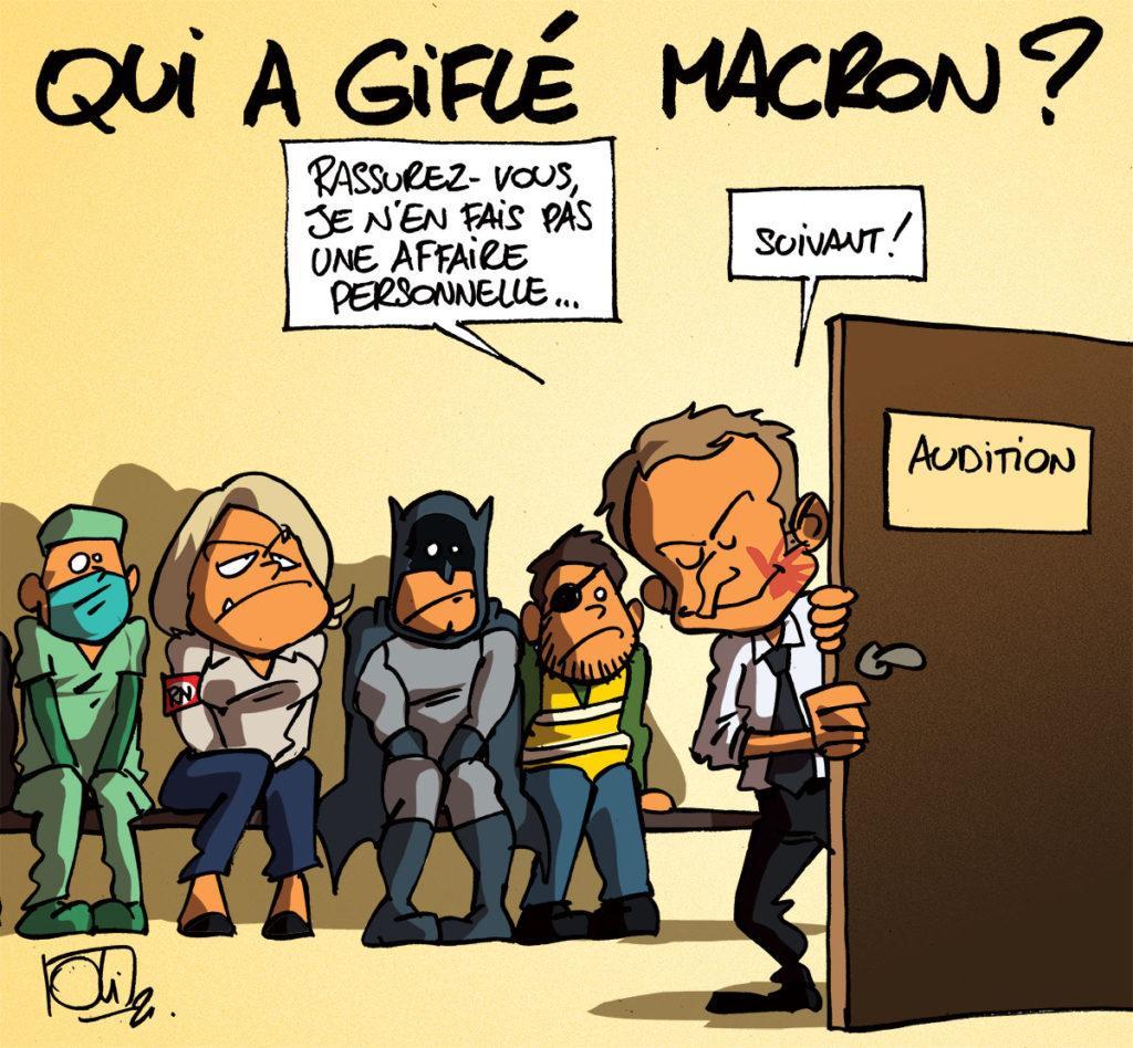 Macron tête-à-claques ?